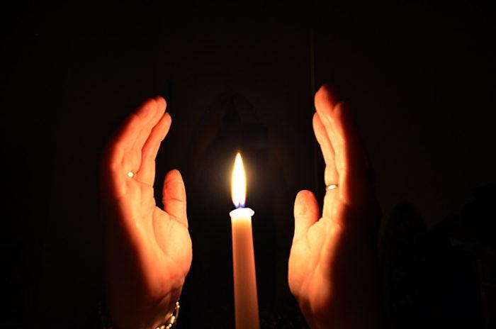 Отворот с применением церковной свечки