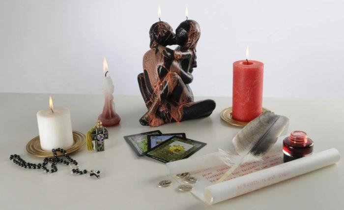 Ритуал со свечой красного цвета