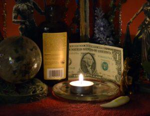 Заговоры для гарантированного нахождения денег