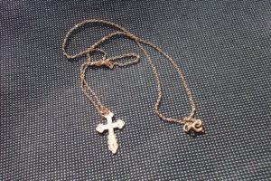 Порвалась цепочка с крестиком