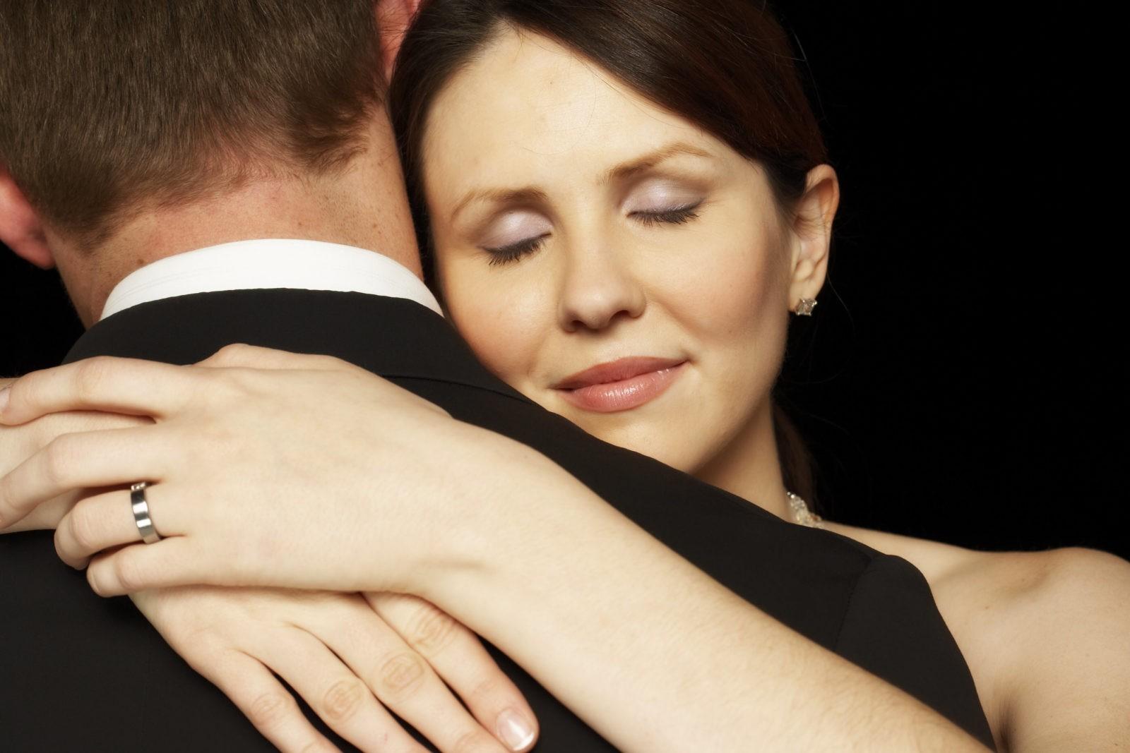 Мощные заговоры на любовь женщины