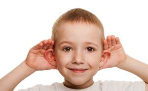 Чешутся оба уха