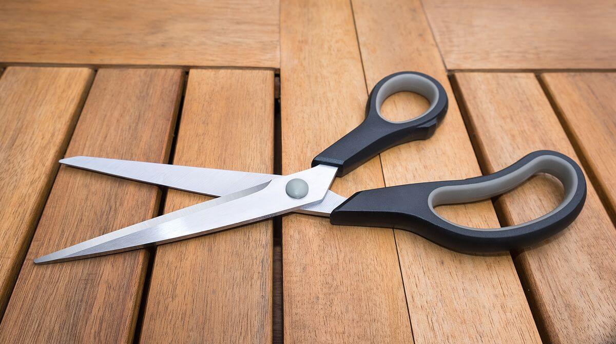 К чему падают ножницы согласно народным приметам