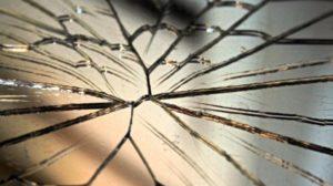 Значение разбитого зеркала в народных приметах