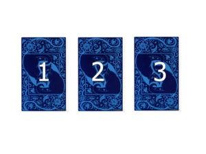 Простой расклад на три карты