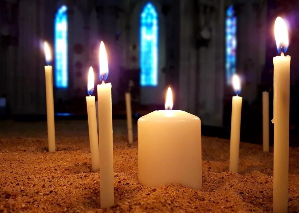 Свечи в сочетании с молитвой