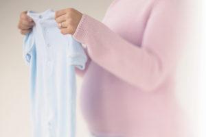 Покупать вещи до рождения ребенка: приметы