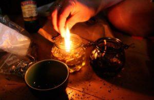 Обряд со свечой и иголкой