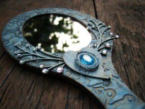 Оберег-зеркало для беременной