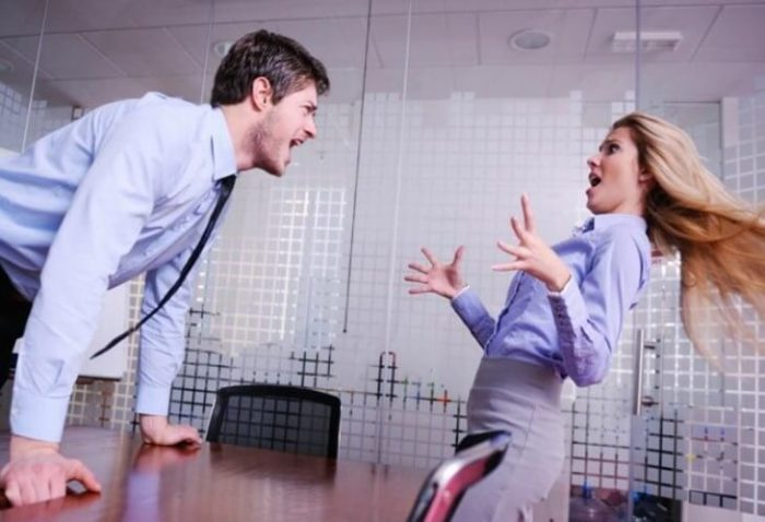 Энергетический вампиризм на работе