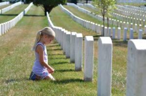 Приметы о детях на кладбище